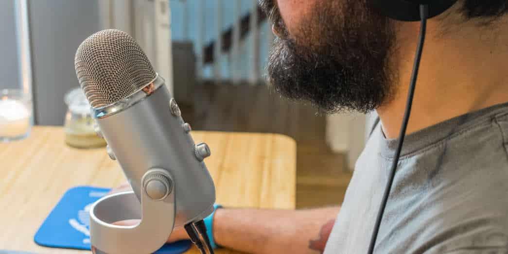 Des enregistrements audio réalisés à travers une perche micro.