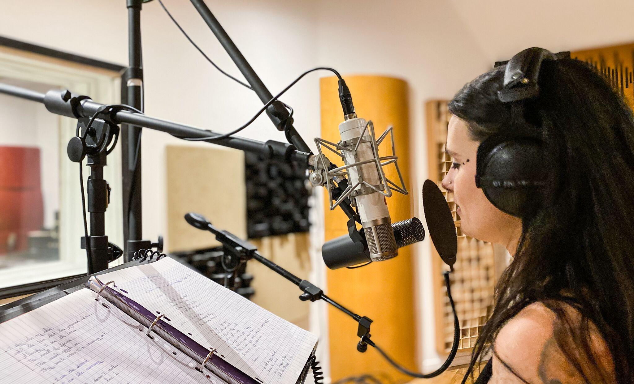 Un microphone pour un enregistrement vocal.