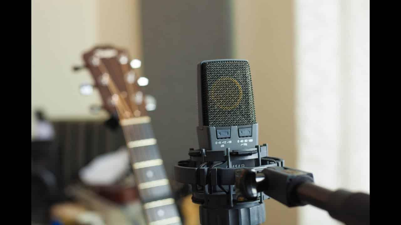 Sa directivité variable lui permet d'être réglable en fonction de toute pression sonore