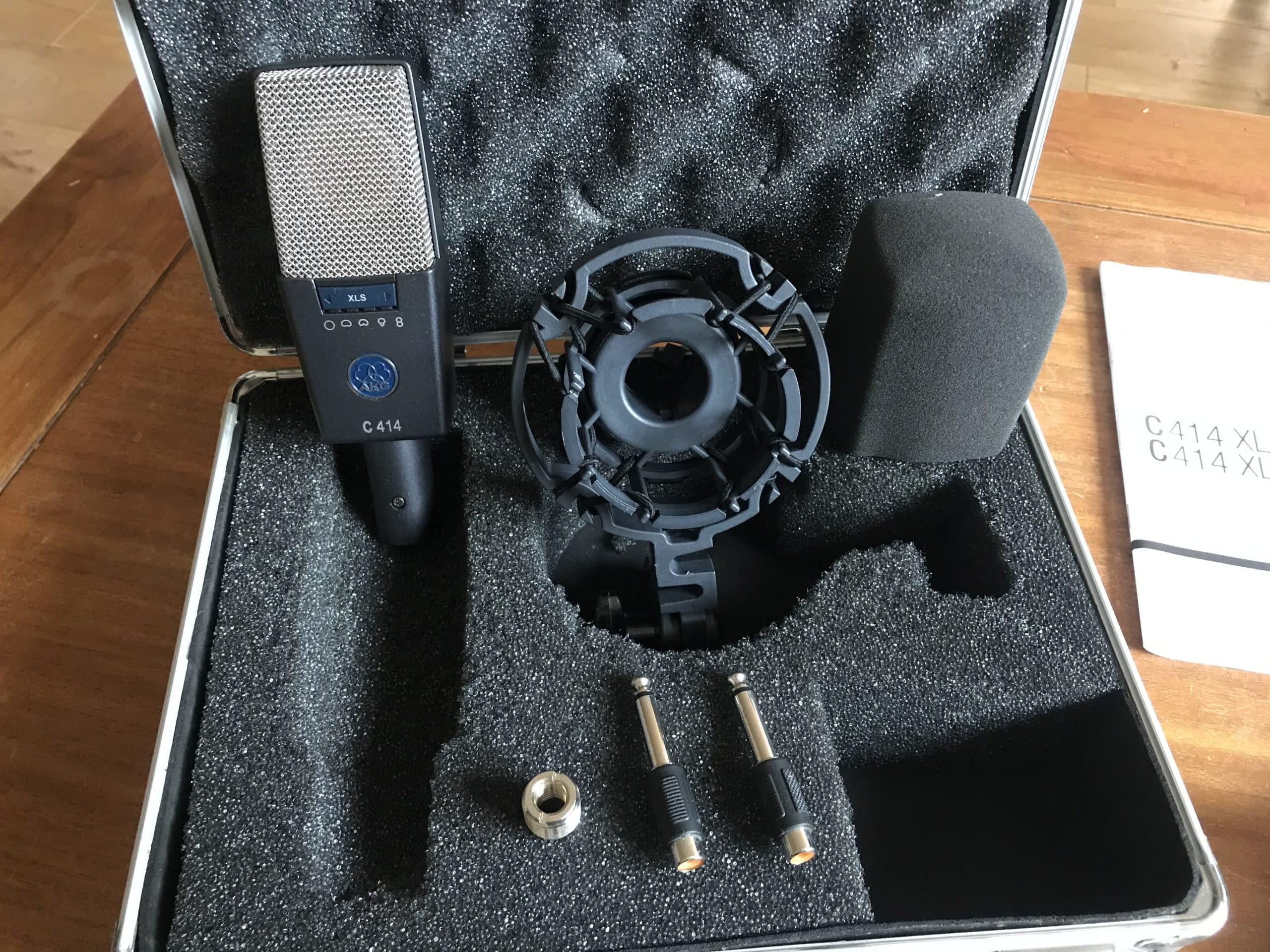 Le modèle C414 XLS a vu le jour en 1971 et devient aussitôt l'un des microphones les plus populaires.