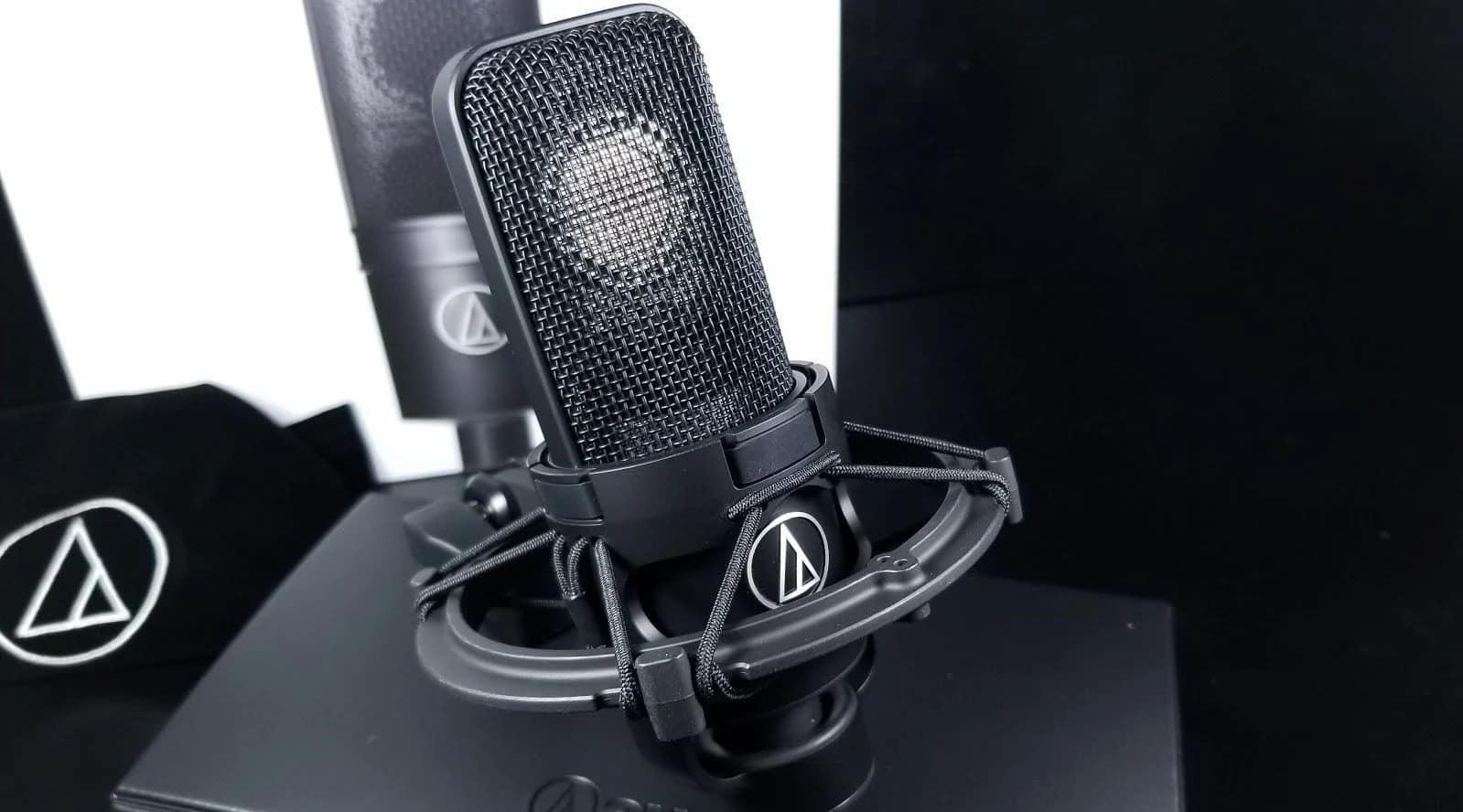 Audio-Technica AT4040 est un parfait micro pro pour home-studio.