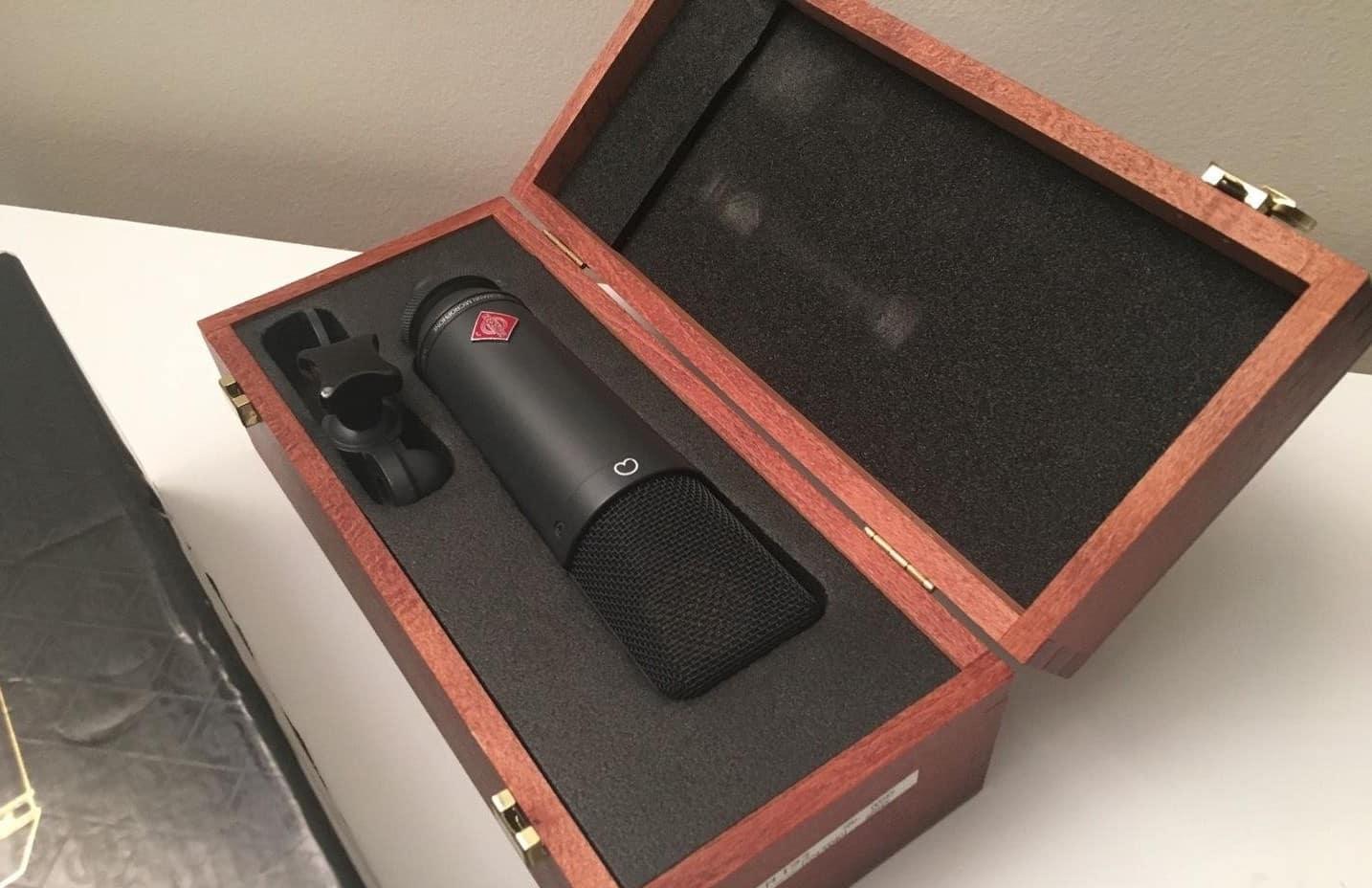 Le microphone TLM 193 peut également servir de micros statiques en direct.