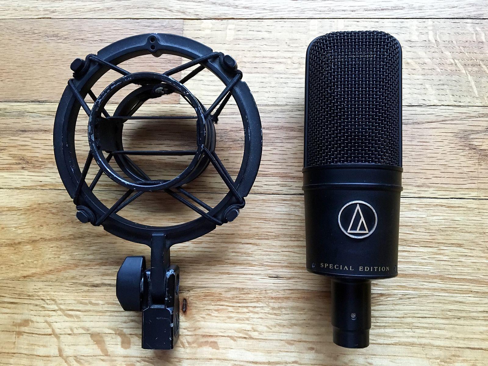 Un microphone avec circuit sans transformateur.