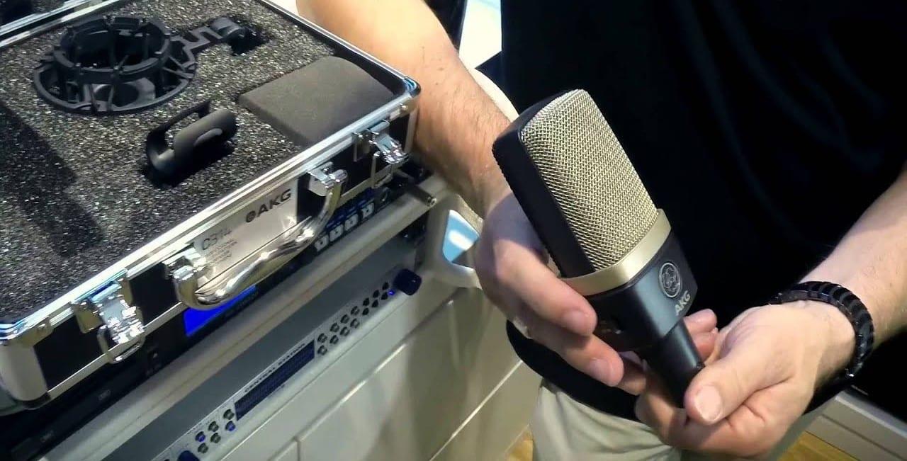 Un pack AKG C314, un microphone polyvalent.