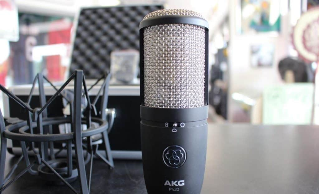 AKG P42, Matériel d'enregistrement pour home-studio.