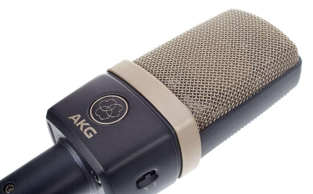 Microphone avec quatre types de polarisation .