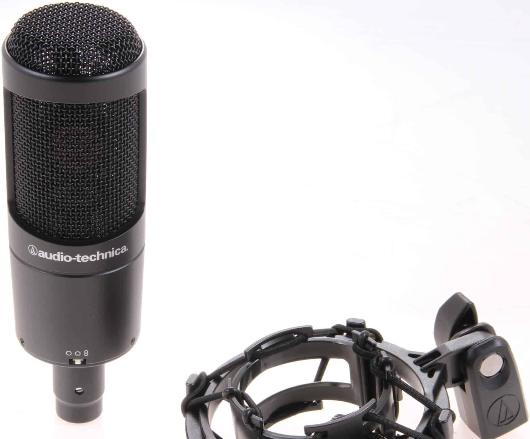 L' AT2050 minimise ou maximise le ramassage sonore grâce à la directivité figure-8.